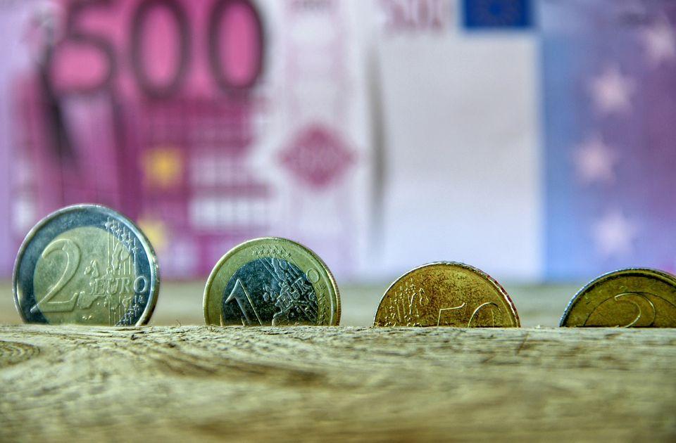 Srpski strah od američke inflacije, na istorijskom maksimumu cene bakra, drveta, ulja, nekretnina...