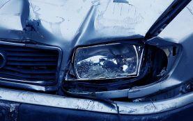 Zrenjanin: Dvoje teže povređeno u sudaru dva automobila