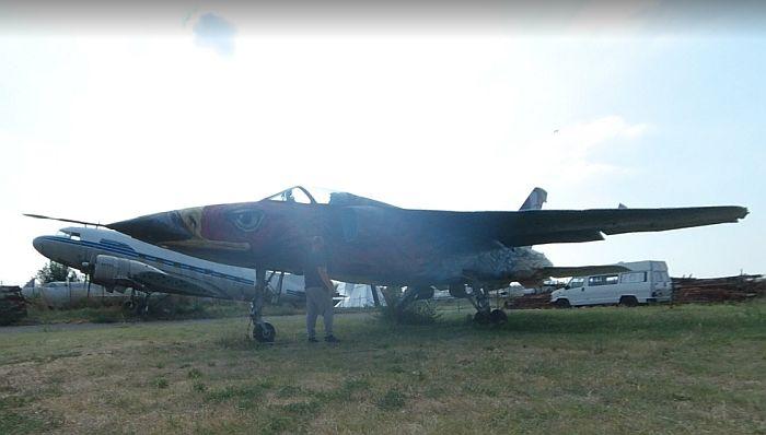 Ministarstvo odbrane potvrdilo da planira obnovu aviona koji su 23 godine stajali na livadi