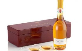 Najskuplje vino na svetu servira se u kristalnim kašičicama