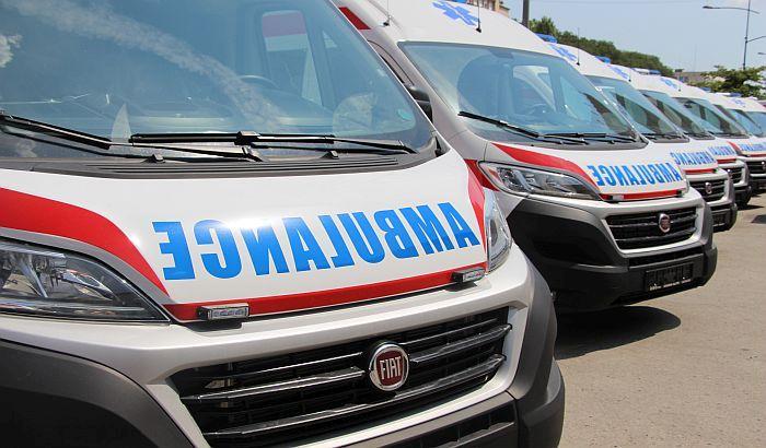 Prevrnuo se i zapalio kombi u Budisavi, vozač lakše povređen