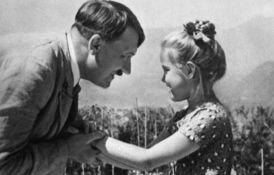 Ovo je mala Jevrejka s kojom se Hitler često slikao