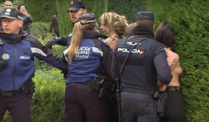 Aktivistkinje prekinule skup posvećen diktatoru Franku
