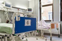 Još dvoje obolelih od korone preminulo u Kliničkom centru Vojvodine, ne prestaje rast broja zaraženih