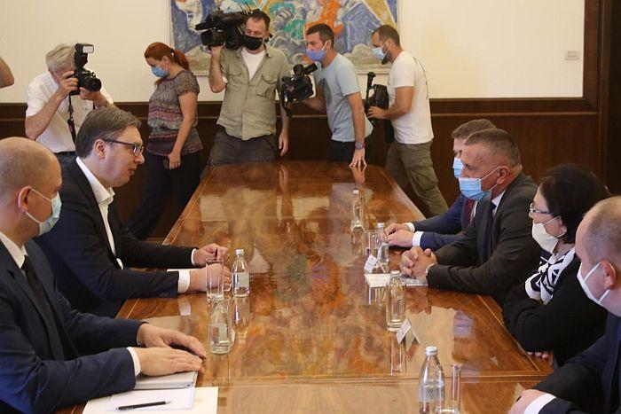 Albanci od Vučića tražili Ministarstvo lokalne samouprave i mesto pomoćnika ministra ekonomije, danas razgovori sa SVM i Zukorlićem