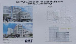 Pregledi osoba sa invaliditetom na parkingu, u vozilu i u holu filijale PIO fonda u Novom Sadu