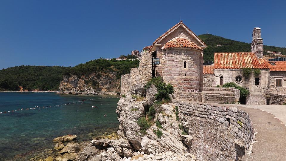 Crna Gora otvorila granice za još četiri države, Srbija nije na listi