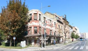 FOTO: Umesto ruine u centru Novog Sada biće izgrađena trospratnica