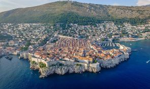More kod Dubrovnika puno fekalija