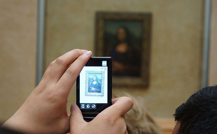 Turisti se žale jer je malo vremena za gledanje Mona Lize i zato što je slika mala