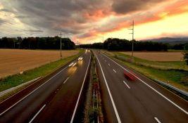 Francuskinja vozila 60 kilometara u pogrešnom smeru na autoputu