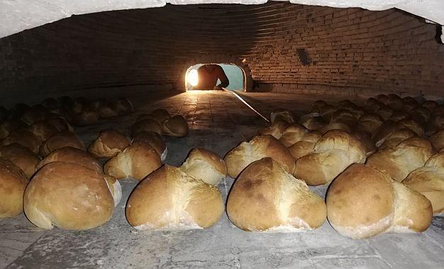 FOTO: Jedini pravi crni hleb u Novom Sadu peče se u pekari