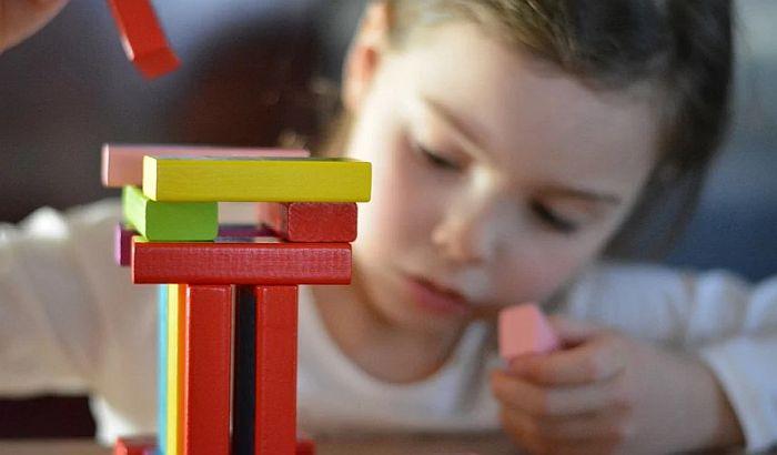 Deca čiji su roditelji zaposleni brže se razvijaju