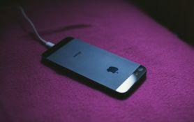 Apple objasnio zašto više ne daje punjače uz telefone