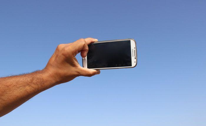 Traže da se drastično kazne oni koji prave selfije sa žrtvom saobraćajne nezgode