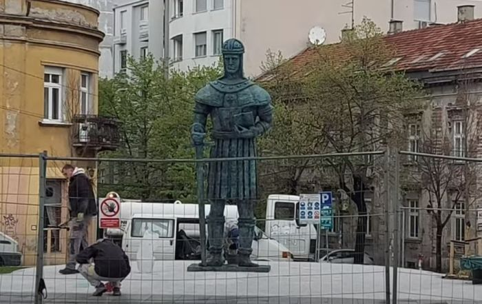 VIDEO: Postavljen spomenik despotu Stefanu u Beogradu