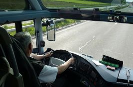 Srbiji nedostaju vozači: Predlažu da se sa 18 godina seda za volan kamiona