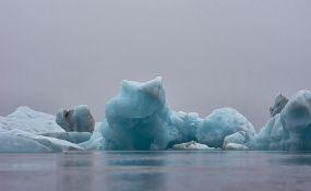 FOTO: Psi vuku sanke kroz otopljeni Grenland