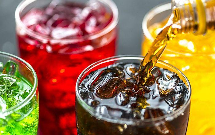 Proizvođači negoduju zbog poreza na šećer, tvrde da to neće smanjiti gojaznost