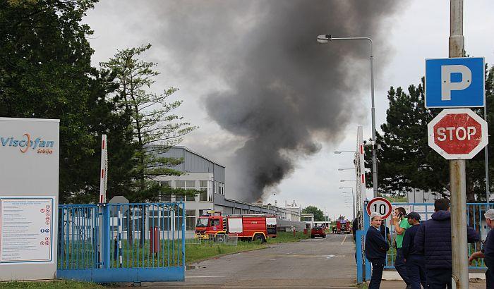 FOTO, VIDEO: Dve osobe stradale u požaru u fabrici Koteks na Klisi