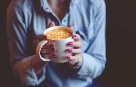 Šest znakova da preterujete sa kafom