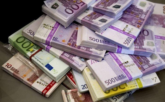 Na svetu bi moglo da opstane samo pet, šest valuta