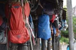 Dva planinara poginula na Mont Everestu