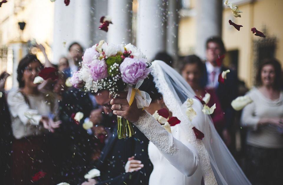 Kon o svadbama: Mladenci da se postaraju da zvanice budu testirane i vakcinisane