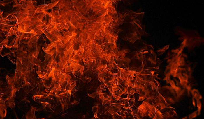 FOTO: Veliki požar u Nišu, deset porodica ostalo bez domova
