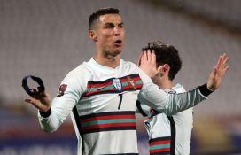 Prodaje se kapitenska traka koju je Ronaldo bacio u Beogradu, novac ide malom Gavrilu