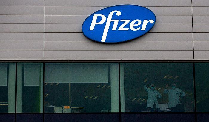 Fajzer privremeno smanjuje Evropi isporuku vakcina protiv korone