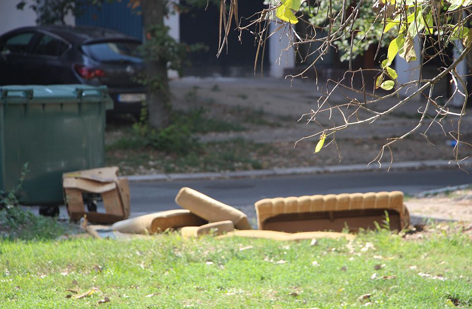 Vanredno prikupljanje krupnog otpada u Kaću, Veterniku, Rumenki i Sremskoj Kamenici