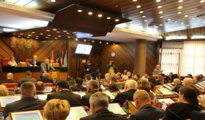 Novi Sad dobio novi Statut i direktore, ukinute opštine Petrovaradin i Novi Sad