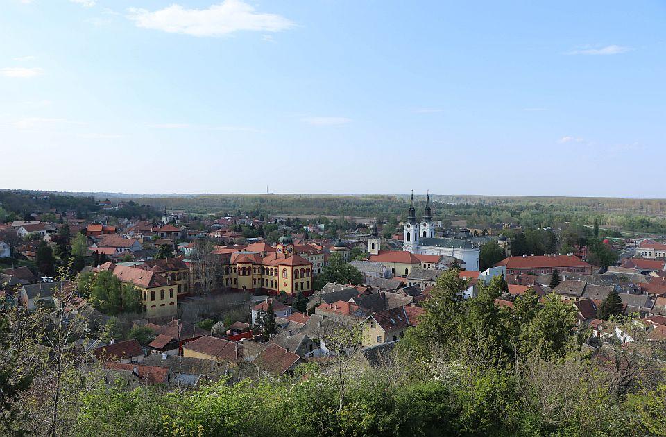 Karlovci neposrednom pogodbom nabavljaju zemljište za izgradnju infrastrukture za hotel