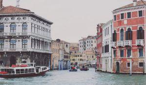 Turisti u Veneciji kažnjeni 950 evra zbog kafe