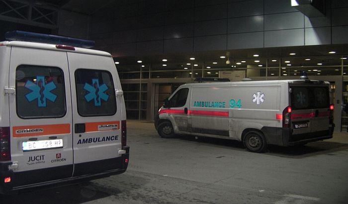 Trudnica među povređenima u sudaru automobila na Mišeluku