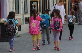 Odlučeno: Najmlađi se vraćaju u školu, stariji i u učionicama i onlajn