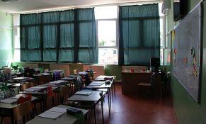 Forum gimnazija: Prosvetarima obezbediti po dve maske dnevno, testiranje...
