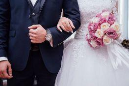 Norvežanka i Šveđanin se venčali na granici zbog korone