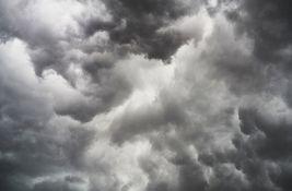 FOTO:  Pijavica počela da se stvara kod Bačke Topole