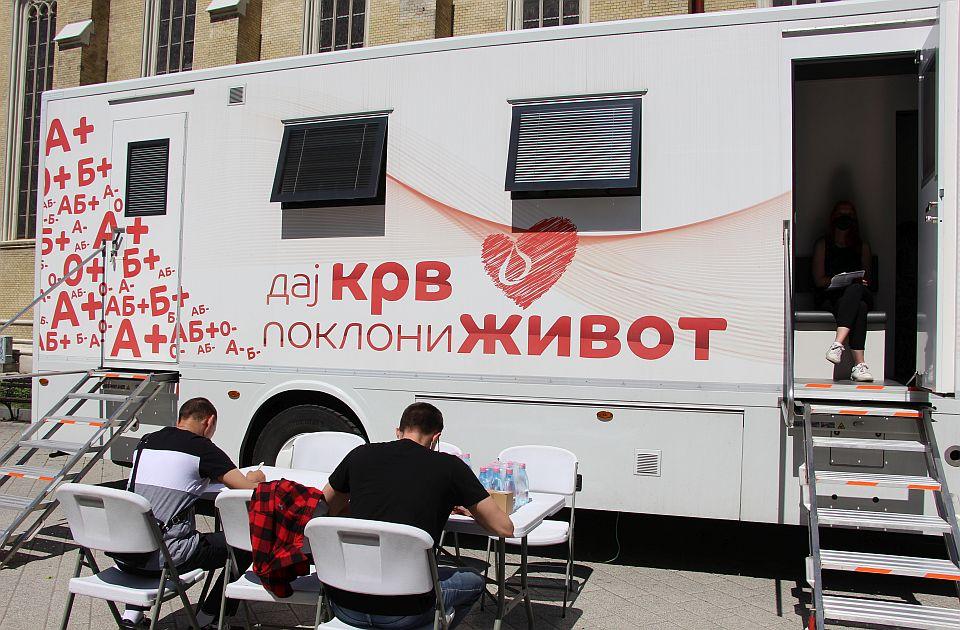 Smanjene zalihe svih krvnih grupa u Novom Sadu, poziv davaocima da se jave