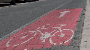 Zrenjanin: Teško povredio ženu taksistu jer se parkirala na biciklističkoj stazi