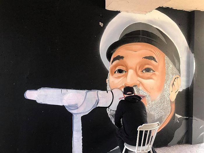 FOTO: Na Limanu osvanuo mural posvećen Balaševiću