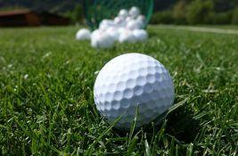 Ubio psa jer mu je ukrao lopticu za golf
