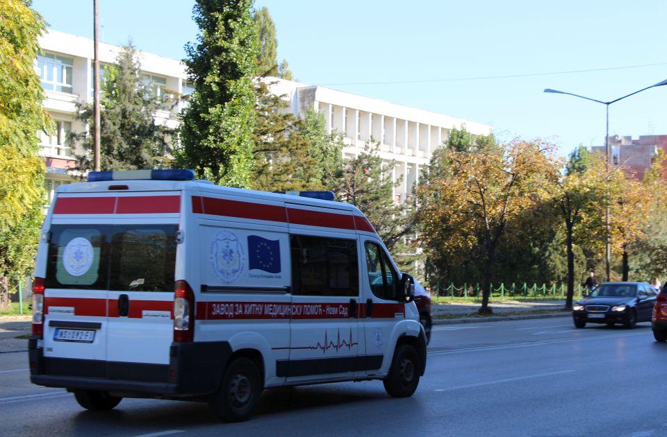 Biciklista i motociklista povređeni u udesima na Grbavici