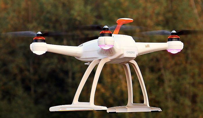 Česi koji su uhapšeni zbog drona s natpisom