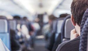 Dve najveće kanadske avio-kompanije ukidaju mere distanciranja