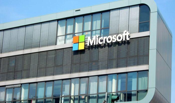 Majkrosoft zatvara skoro sve poslovnice u svetu zbog onlajn prodaje