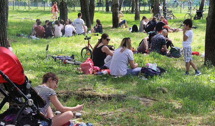 Pripremaju se Kamenički i Limanski park za proslavu 1. maja