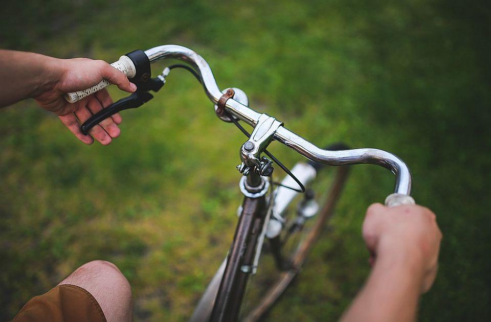 Penzioner na biciklu poginuo kod Subotice